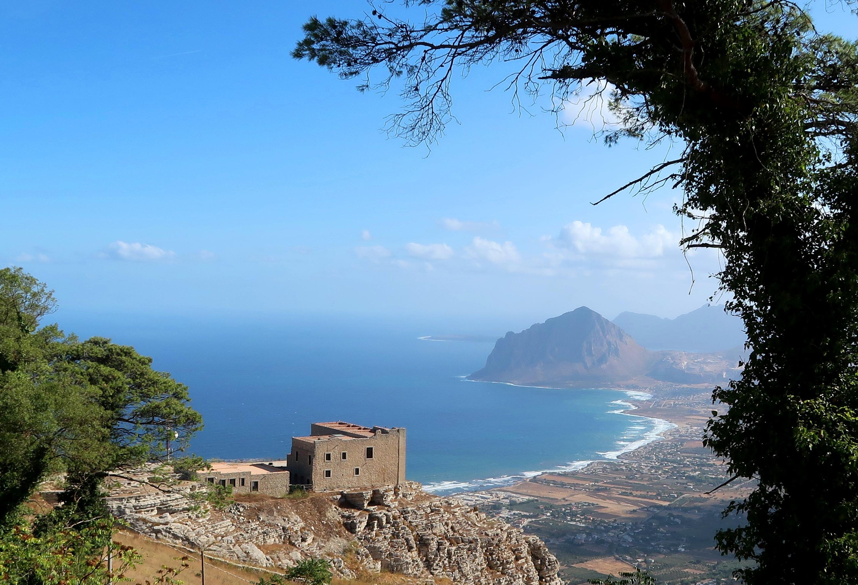 5-utsikt-mot-monte-cofano-fra-erice-view-of-the-cofano-mountain-fra-erice